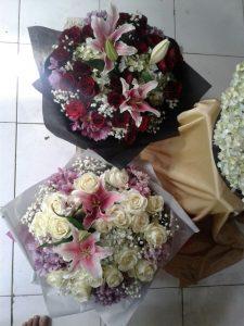 Hand Bouquet Terjangkau di Fef