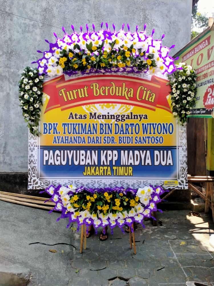 Karangan Bunga Papan di Malang